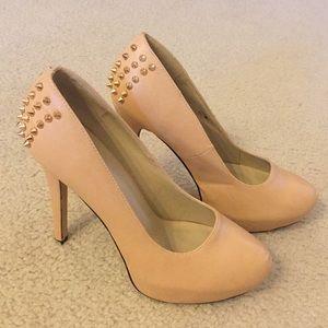 Shoedazzle Nude Pumps